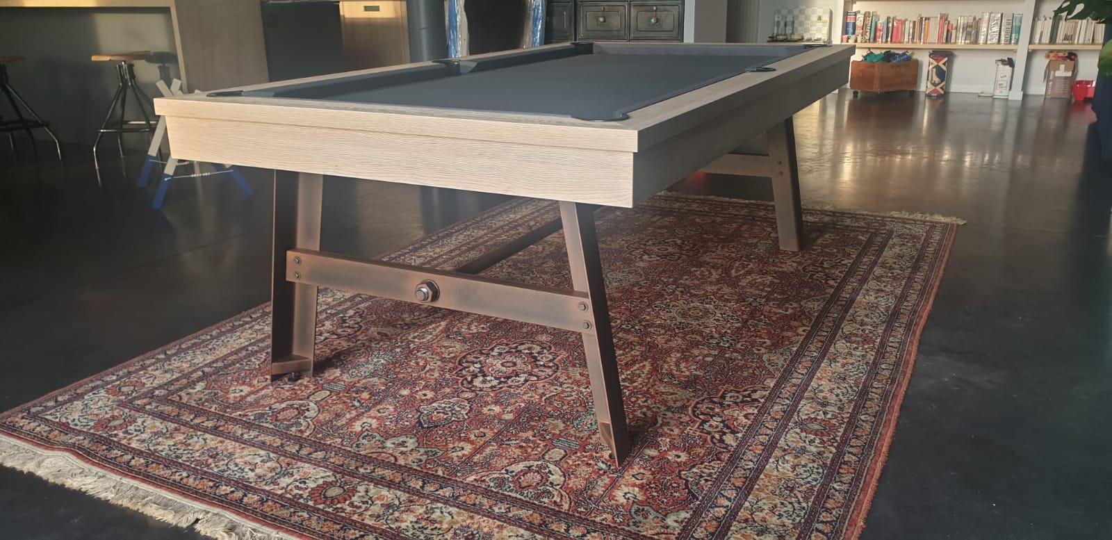 Billard table VINTAGE finition chêne nature  et pieds acier vieiilii tissu gris foncé